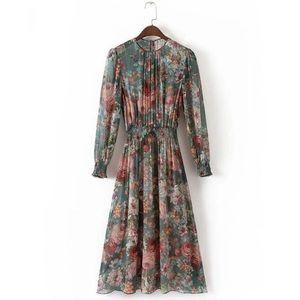 ⭐️five star Green floral chiffon dress